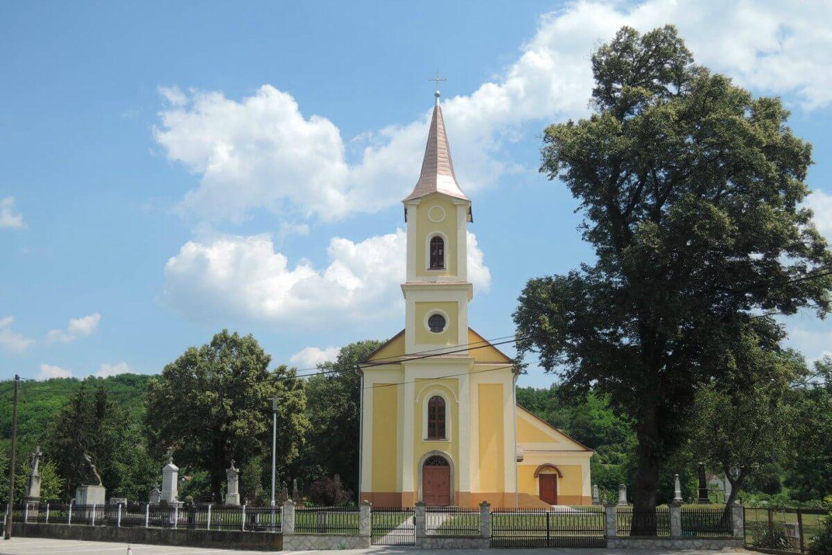 Szent Anna templom - Felsőrajk