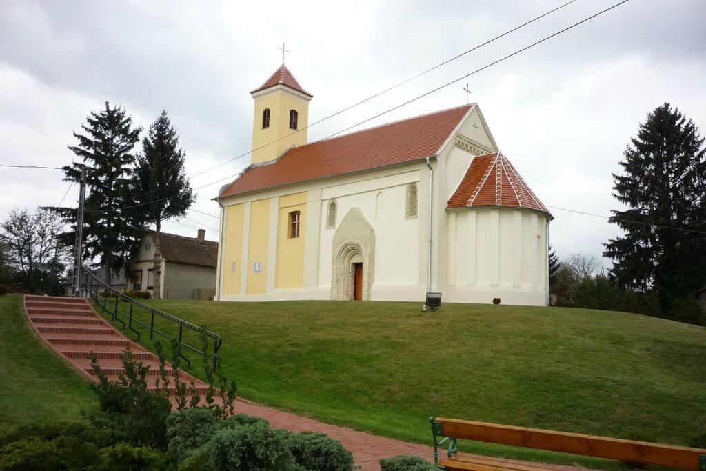 Polai Mindenszentek templom - Becsehely
