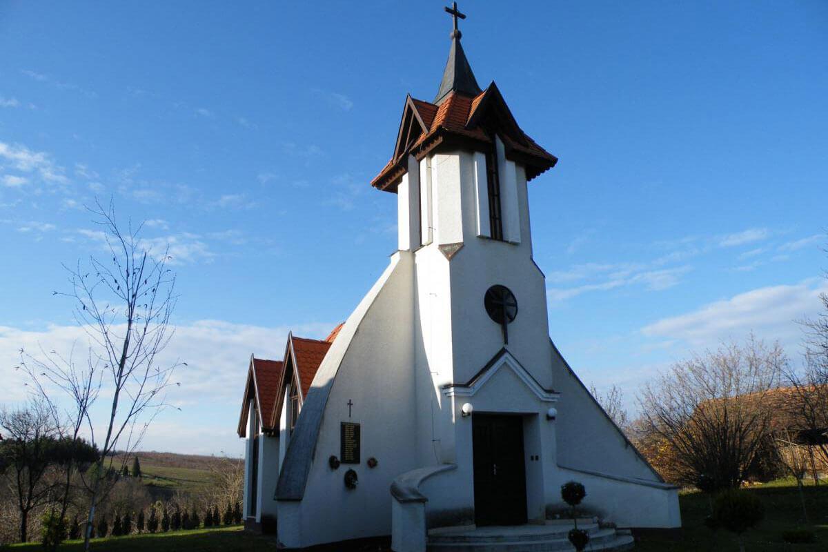 Jézus Szíve Templom - Pördefölde